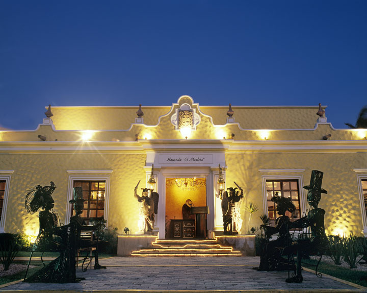 NH Krystal El Mortero Restaurant Exterior