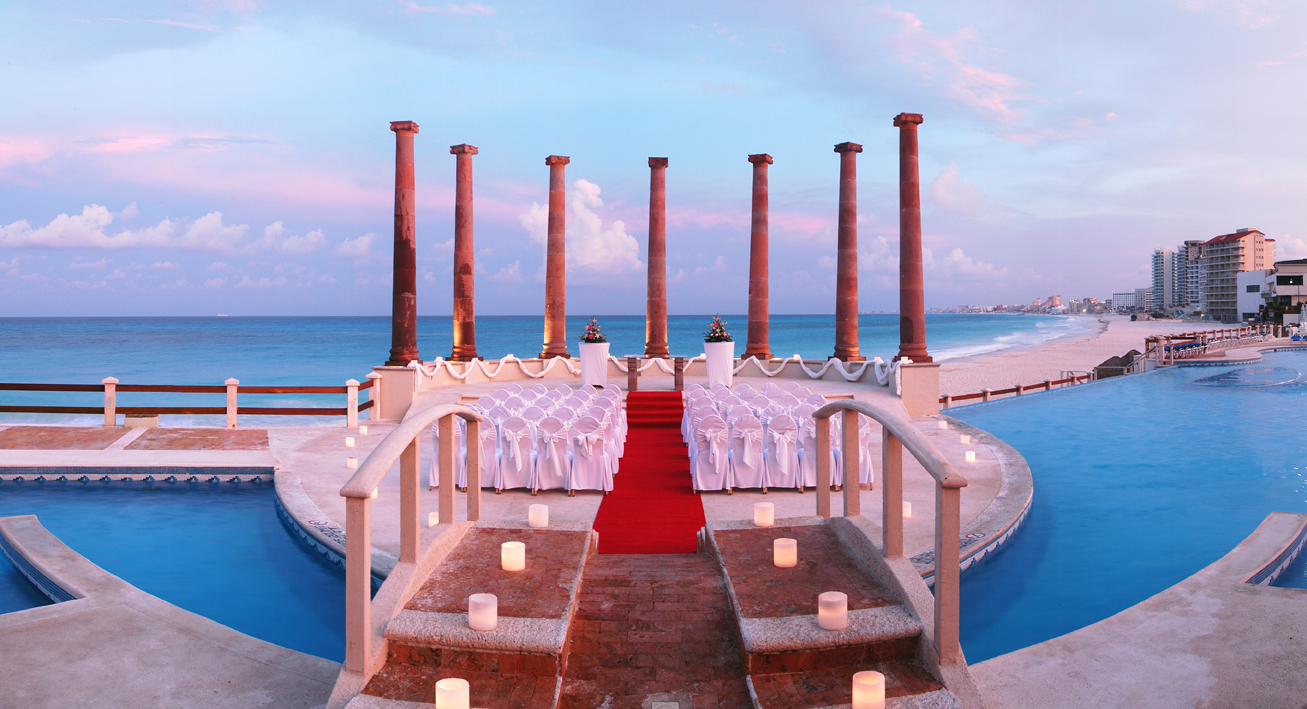 Krystal Cancun Wedding Ceremony at Seven Columns Area