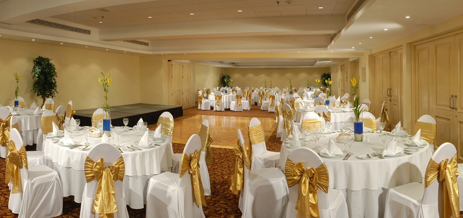 NH_Krystal_Cancun_-_meeting_rooms_banquet_set_up.jpg