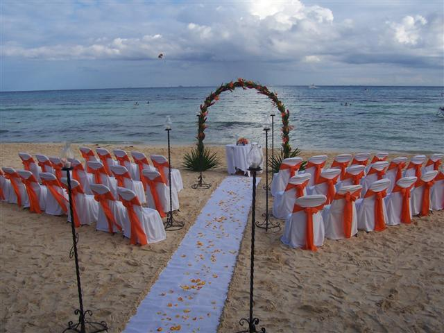 Blue Parrot Ceremony Beach Set Up D