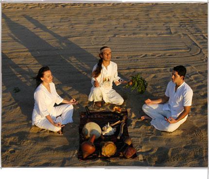 Yoga_on_the_Beach.jpg